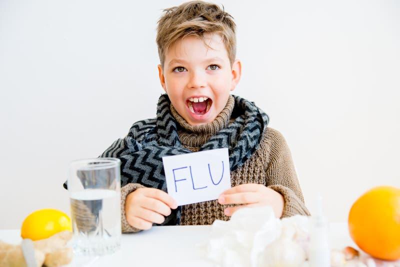 Jongen die griep hebben royalty-vrije stock foto