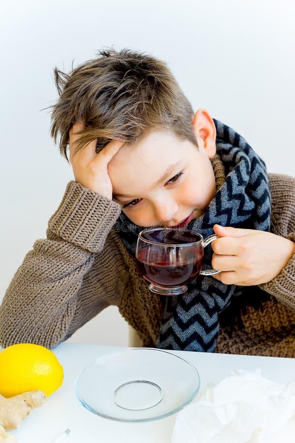 Jongen die griep hebben royalty-vrije stock foto's
