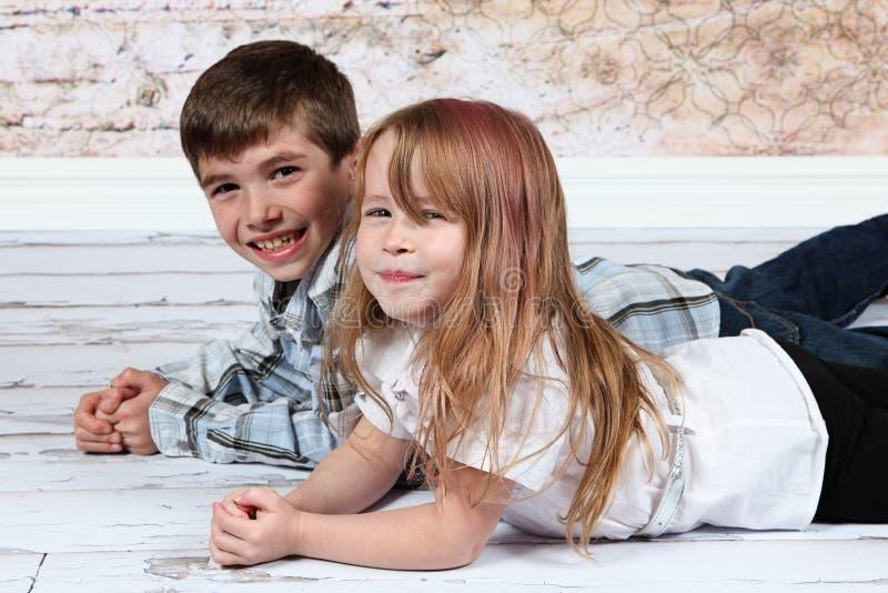 Jongen en Meisje samen stock afbeelding