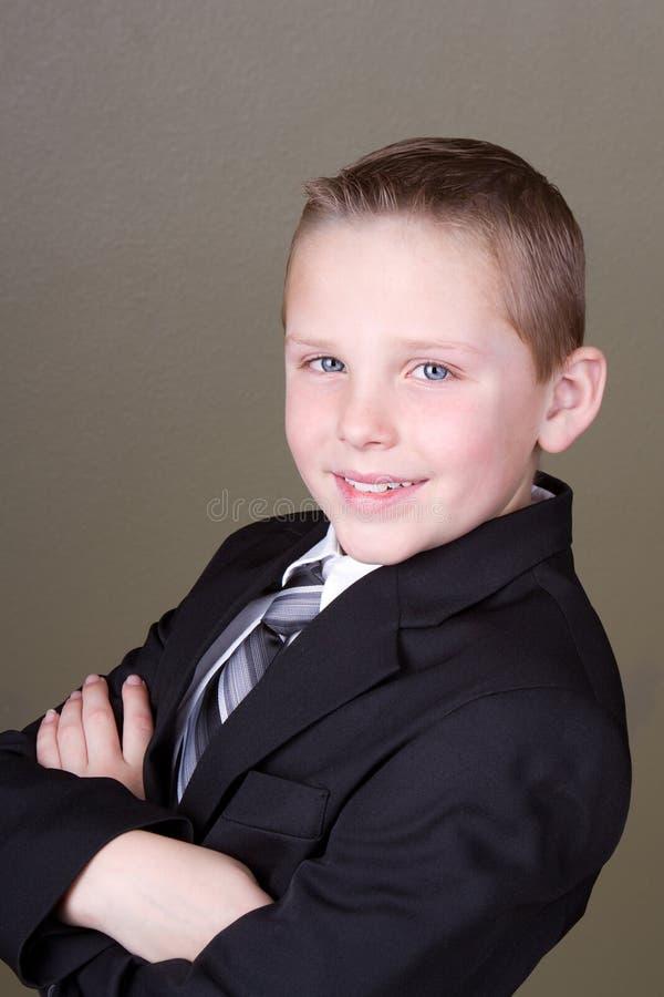 Download Jongen In Kostuum Of Eenvormige School Stock Afbeelding - Afbeelding bestaande uit gezondheid, mensen: 29509295