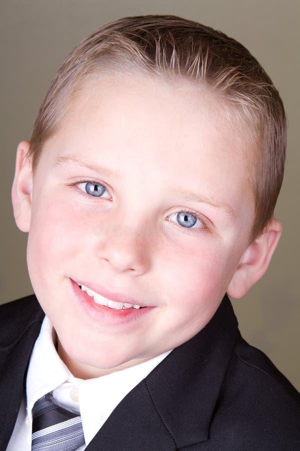 Download Jongen In Kostuum Of Eenvormige School Stock Foto - Afbeelding bestaande uit jongen, kind: 29509304
