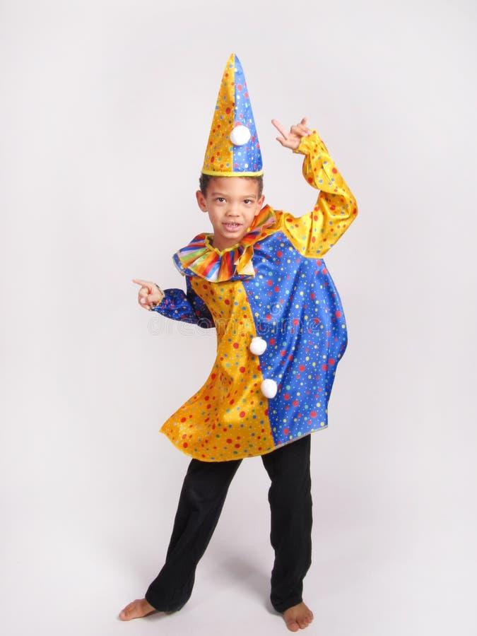 Jongen in kostuumkostuum royalty-vrije stock foto's