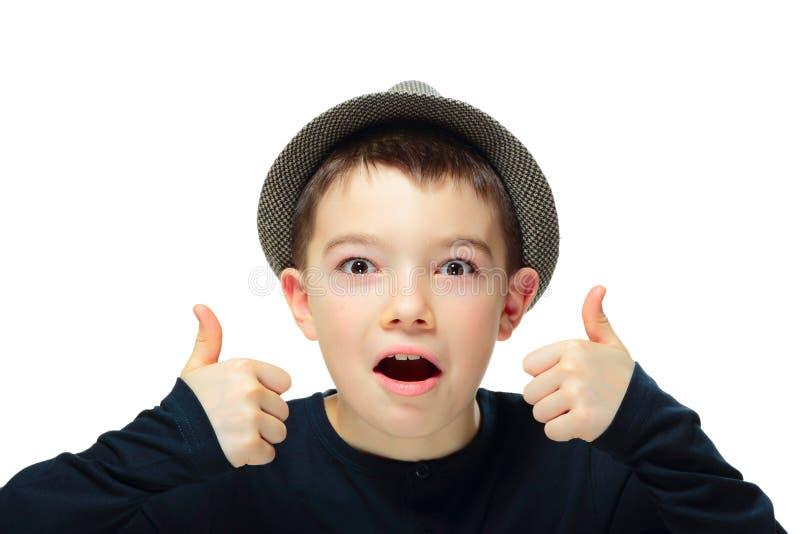 Jongen met een hoed stock foto