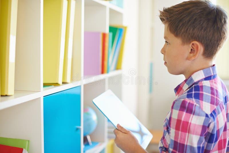 Jongen met touchpad royalty-vrije stock afbeelding