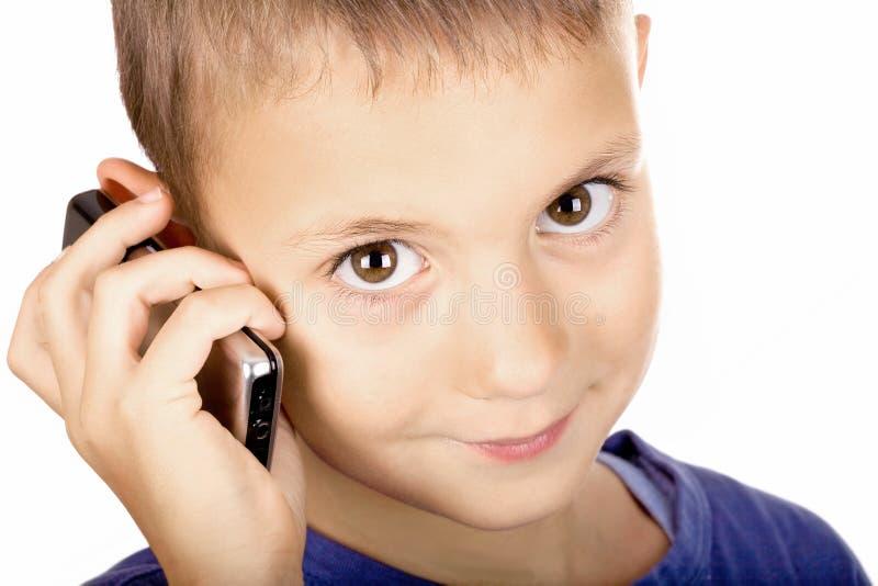 Jongen op de telefoon royalty-vrije stock fotografie