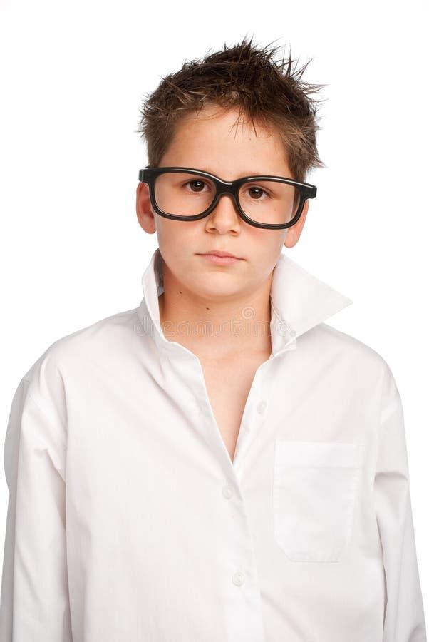 Jongen in wit overhemd en grote glazen stock afbeeldingen