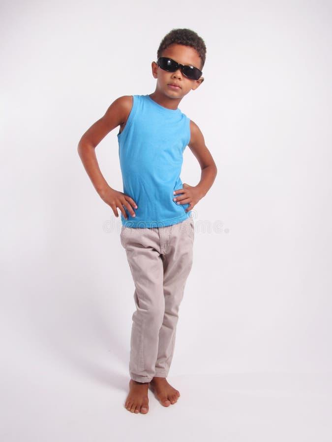 Jongen in zonnebril royalty-vrije stock afbeelding