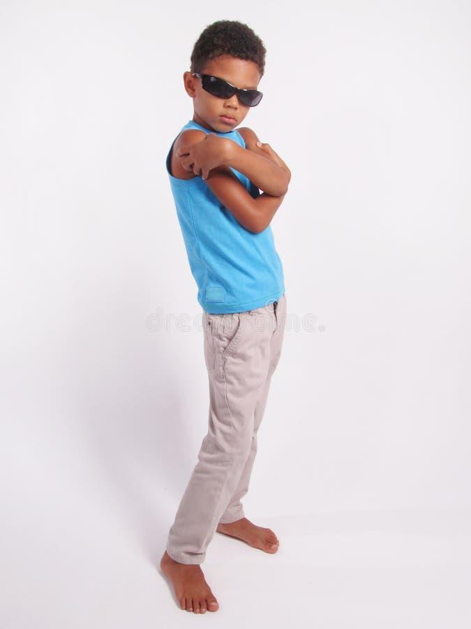 Jongen in zonnebril royalty-vrije stock fotografie