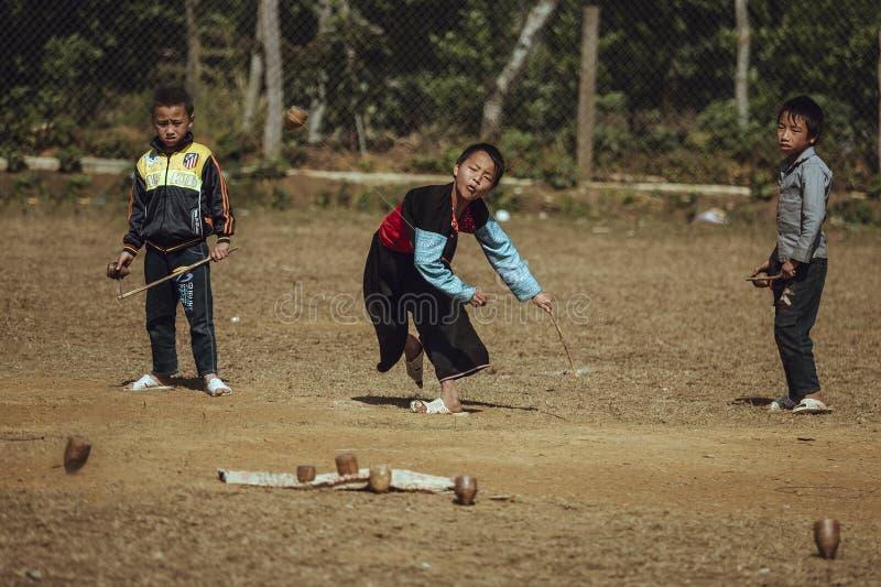 Jongens van de etnische Groep Hmong van Vietnam royalty-vrije stock foto's