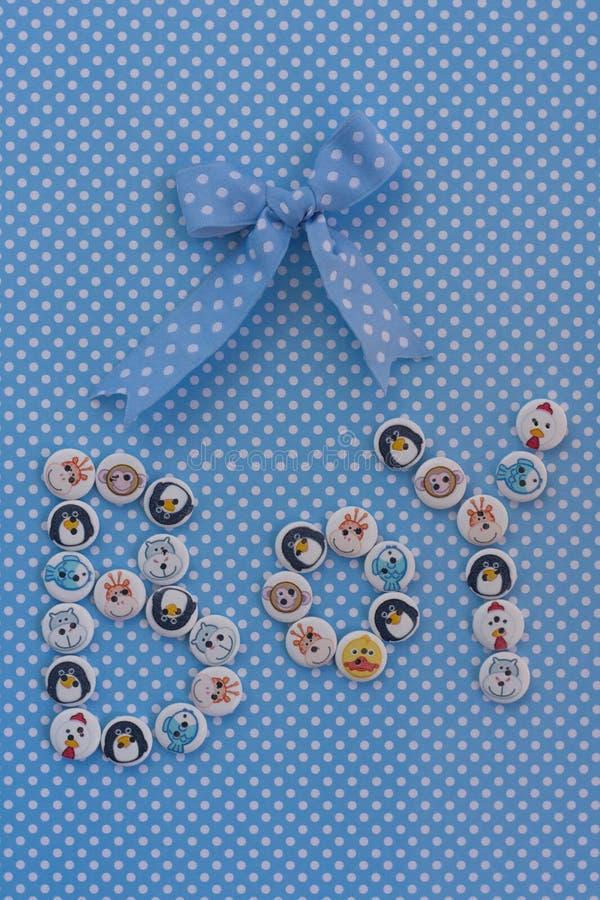 Jongensteken Het idee van de babydouche Blauwe stippenachtergrond royalty-vrije stock foto's