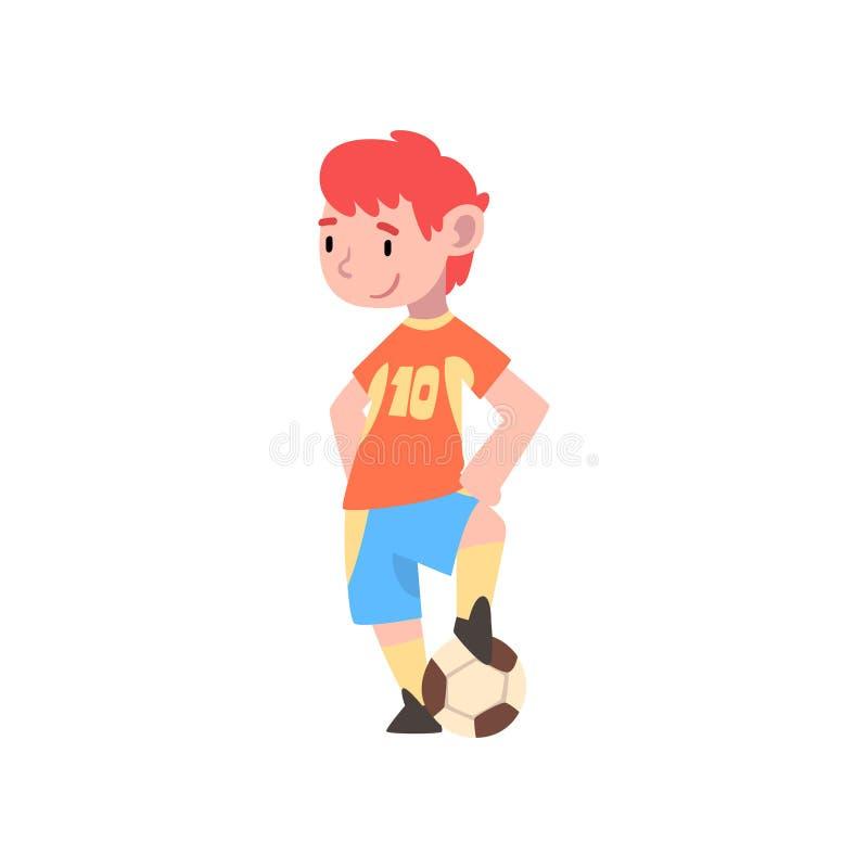 Jongensvoetballer, Leuk Jong geitjekarakter in het Eenvormige Spelen met Bal Vectorillustratie vector illustratie