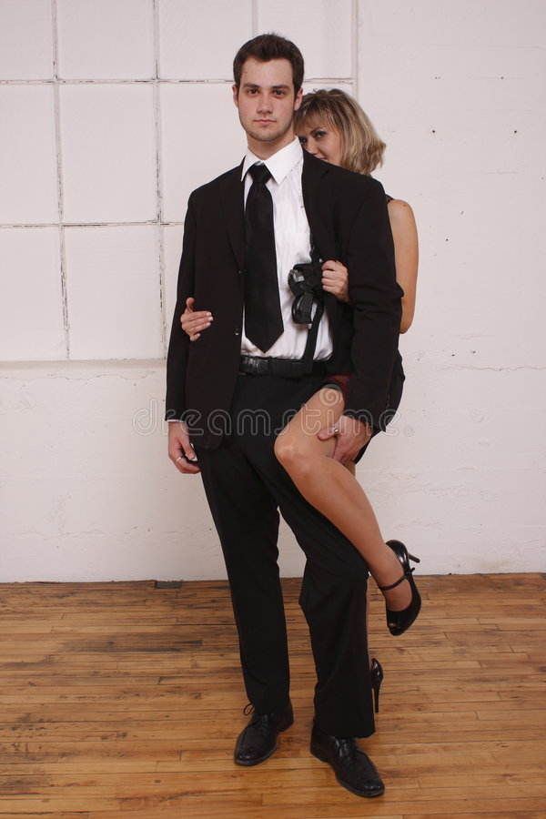 Jongere man met rijpe vrouw stock afbeeldingen