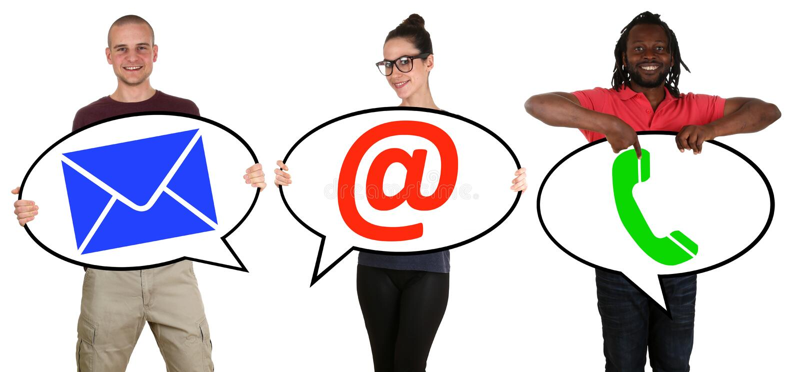 Jongeren communicatie contacttelefoon, post of e-mail onl stock afbeelding