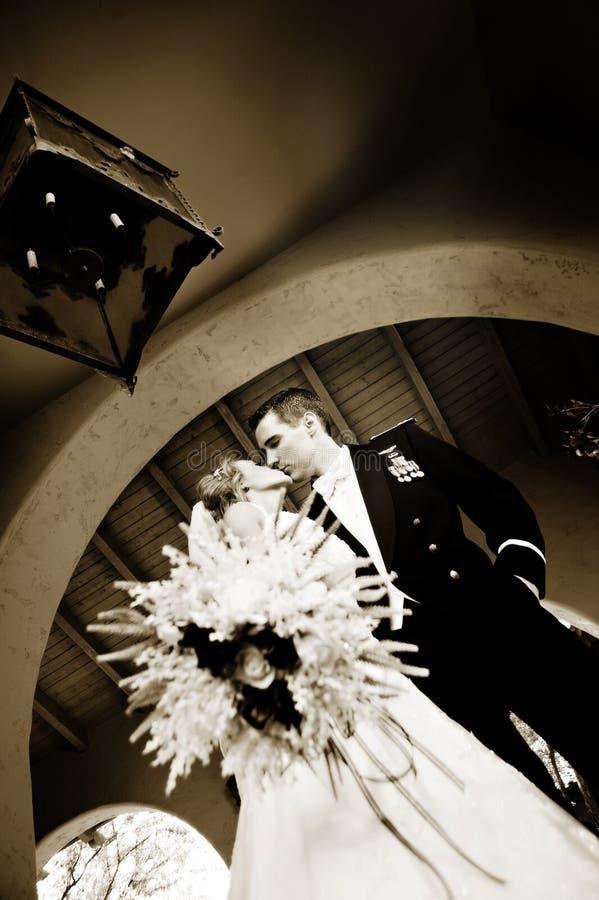 Jonggehuwdepaar stock afbeelding