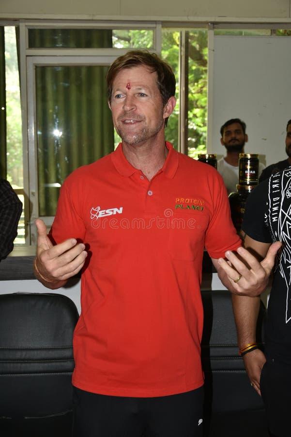 Jonty rhodes bes?k i Bhopal, Indien royaltyfri foto