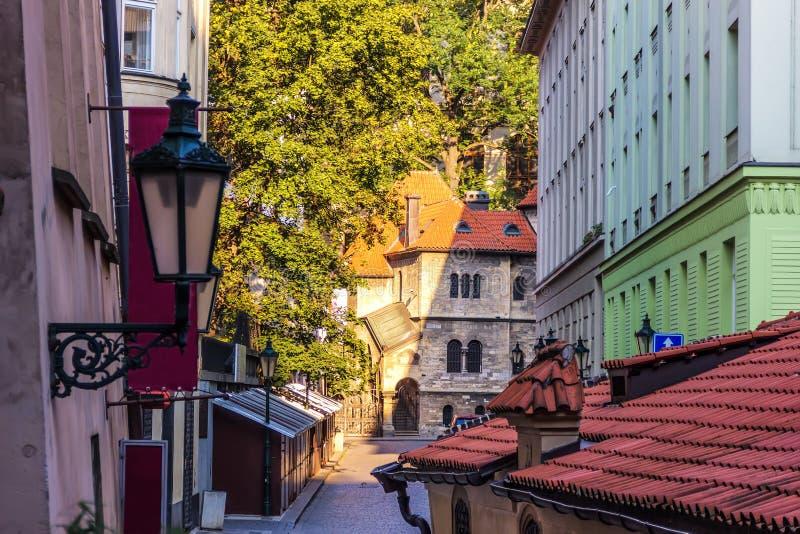 Joods district en oude synagoge in Praag de stad in royalty-vrije stock afbeelding