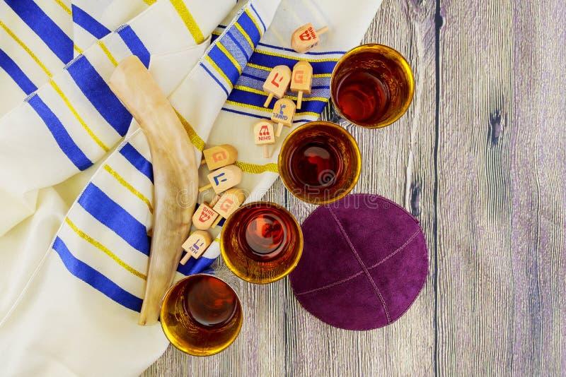 Joods vakantie matzoh passover brood torah stock foto