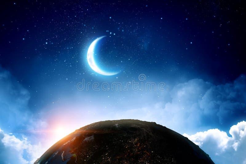 Jord, måne och stjärnor på blå himmel royaltyfri illustrationer