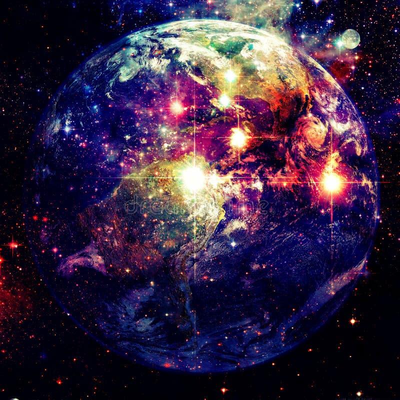 Jord och galax Beståndsdelar av denna avbildar möblerat av NASA fotografering för bildbyråer