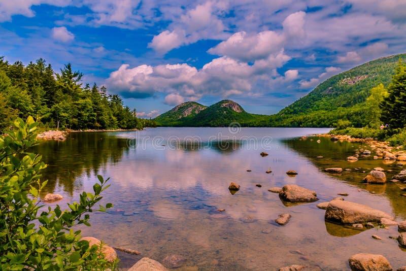 Jordan Pond - Acadianationalpark i Maine arkivbilder