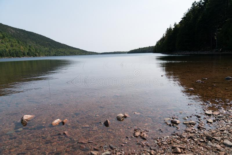 Jordan Pond al parco nazionale di acadia fotografie stock