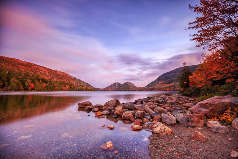 Jordan Pond nel parco nazionale di acadia fotografie stock