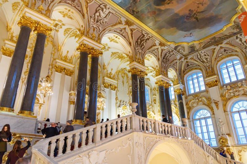 Jordan Staircase en el palacio del invierno, museo de ermita del estado St Petersburg Rusia foto de archivo