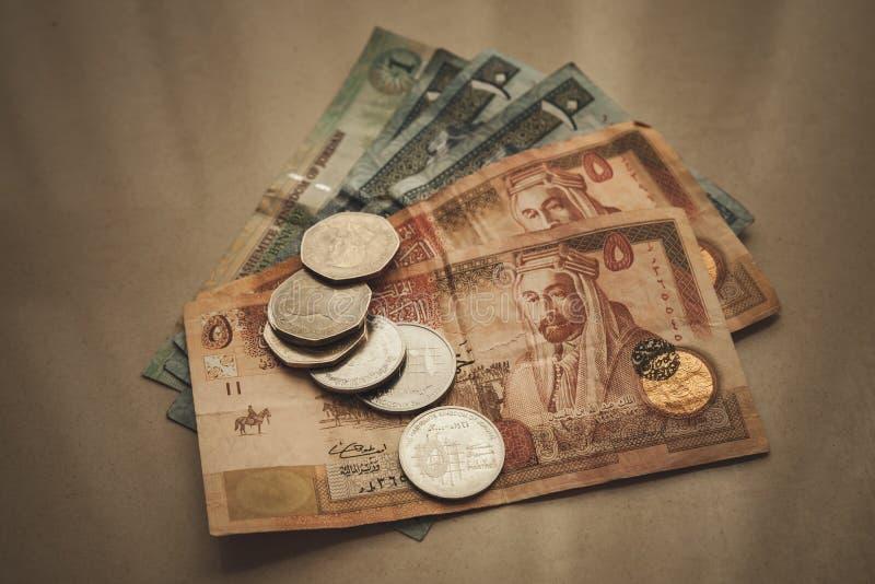 Jordanska dinar och piastres, stiliserat retro royaltyfria foton