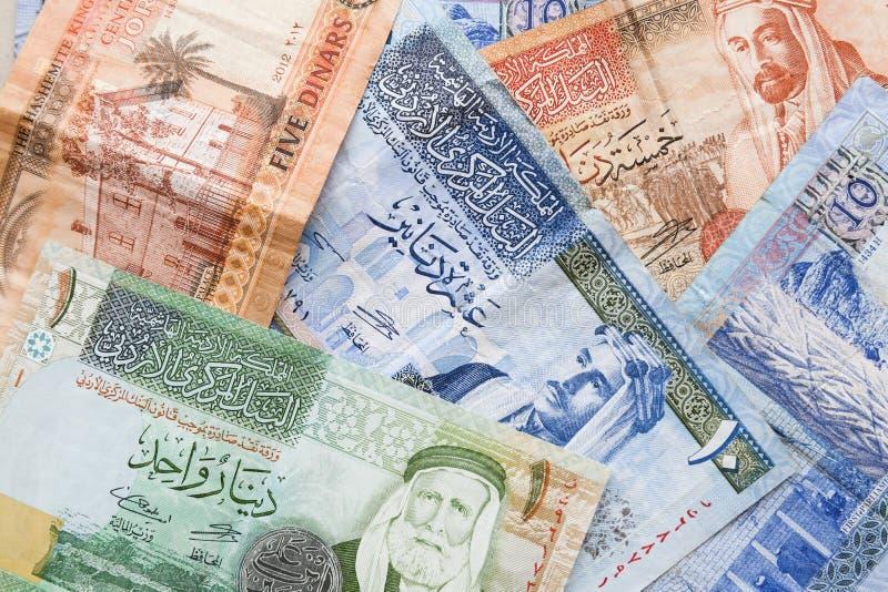 Jordanska dinar, sedlar med konungar arkivfoton