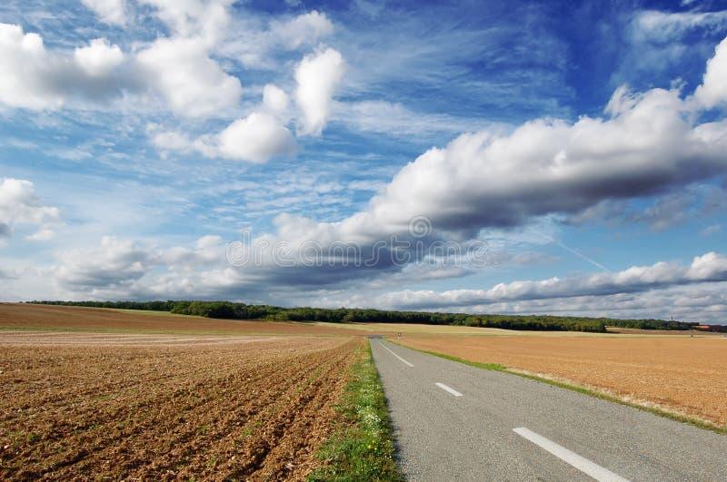jordbruks- väg arkivbild