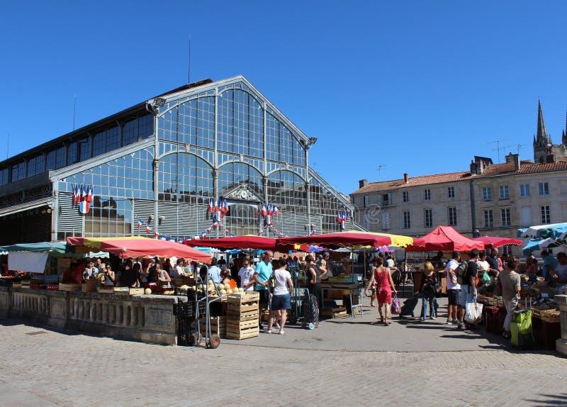 Jordbruksproduktermarknad, Niort royaltyfria bilder