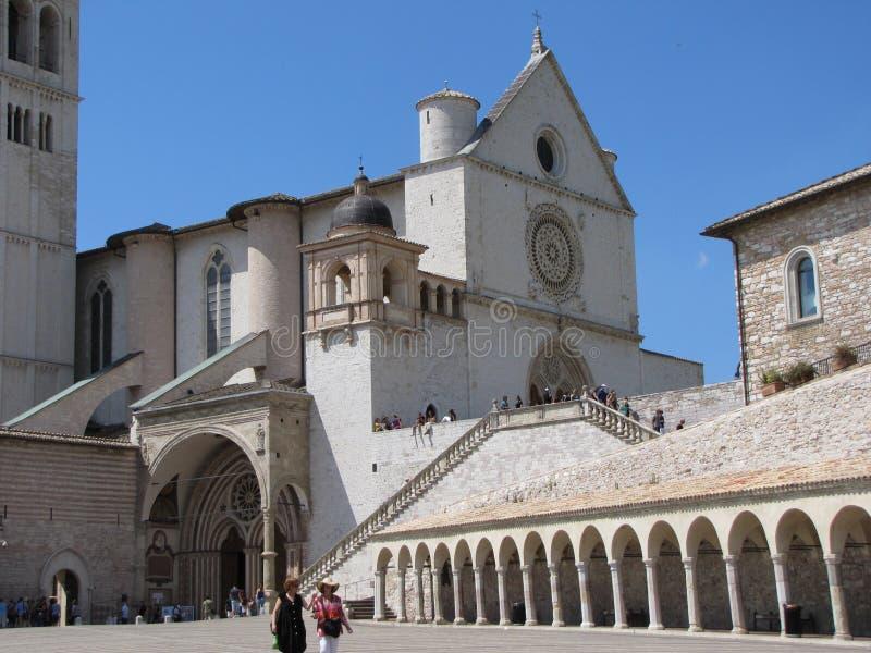 Jordfästningstället av St Francis är den medeltida Basilikan di San Francesco royaltyfria bilder