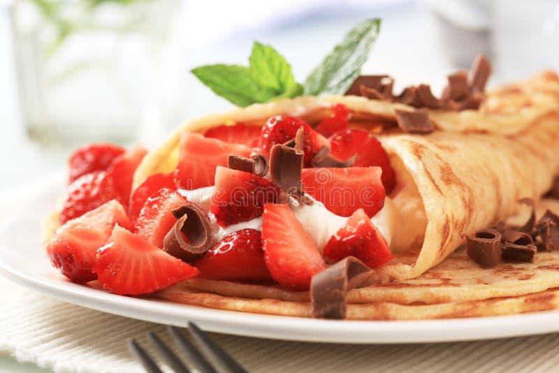 jordgubbar för ostkräppostmassa arkivfoto