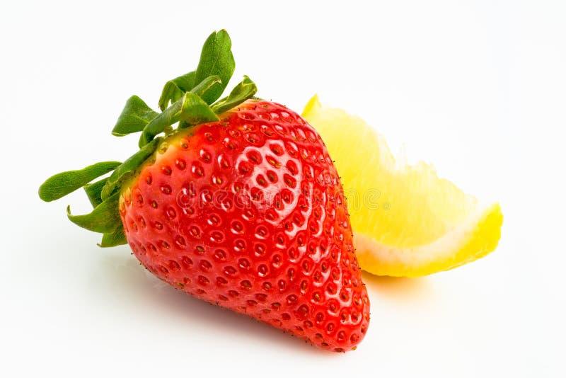 Jordgubbe och citron royaltyfri bild