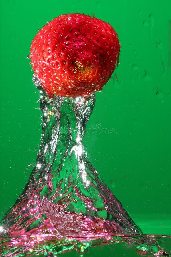 jordgubbevatten fotografering för bildbyråer
