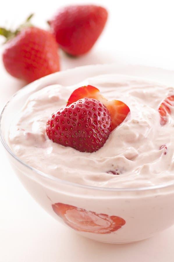 jordgubbeyoghurt royaltyfri foto