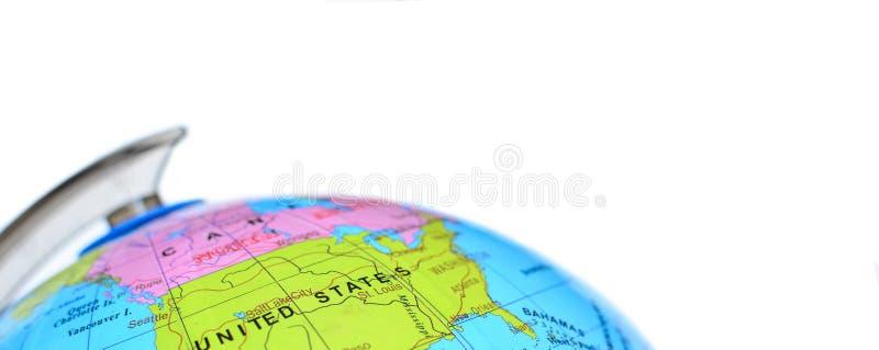 Jordklot som isoleras på vit bakgrund med fokusen på Amerikas förenta stater royaltyfri fotografi