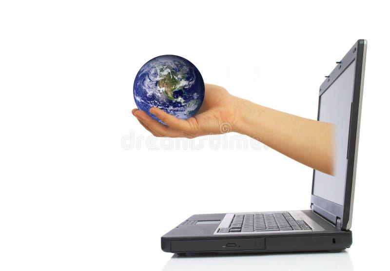 jordklotbärbar dator royaltyfri fotografi