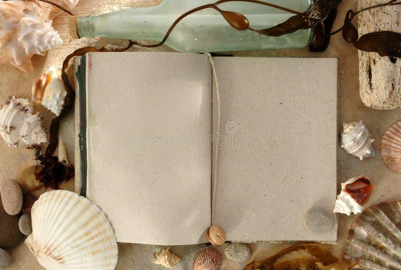 Jornal de mar imagens de stock royalty free