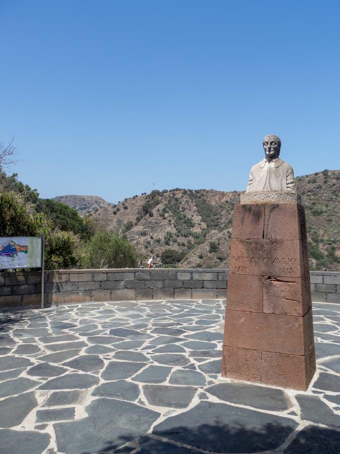 José de Viera y Clavijo statue, Gran Canaria. Gran Canaria/Spain - August 9 2019: The statue of José de Viera y Clavijo, the founder of the botanical stock image