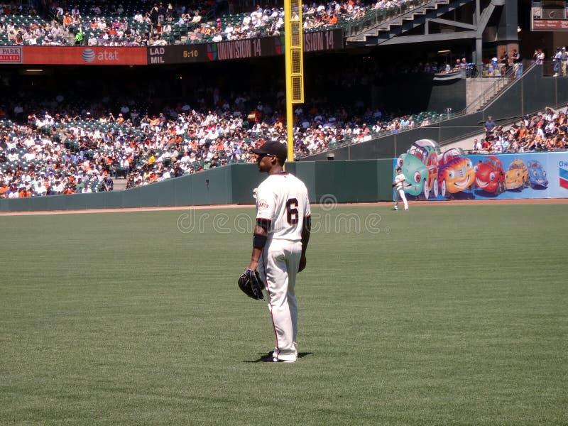 Jose Guillen si leva in piedi nel lato destro del campo fra i giochi fotografie stock