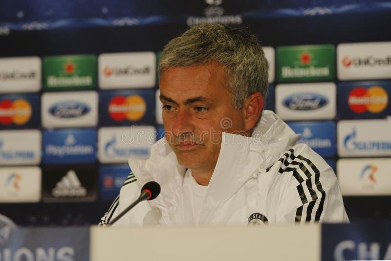 Jose Mourinho av Chelsea - presskonferens royaltyfria foton