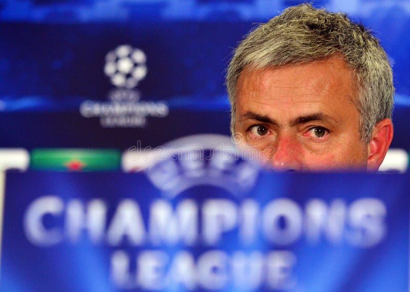 Jose Mourinho under ligapresskonferens för UEFA Cheampions arkivbilder