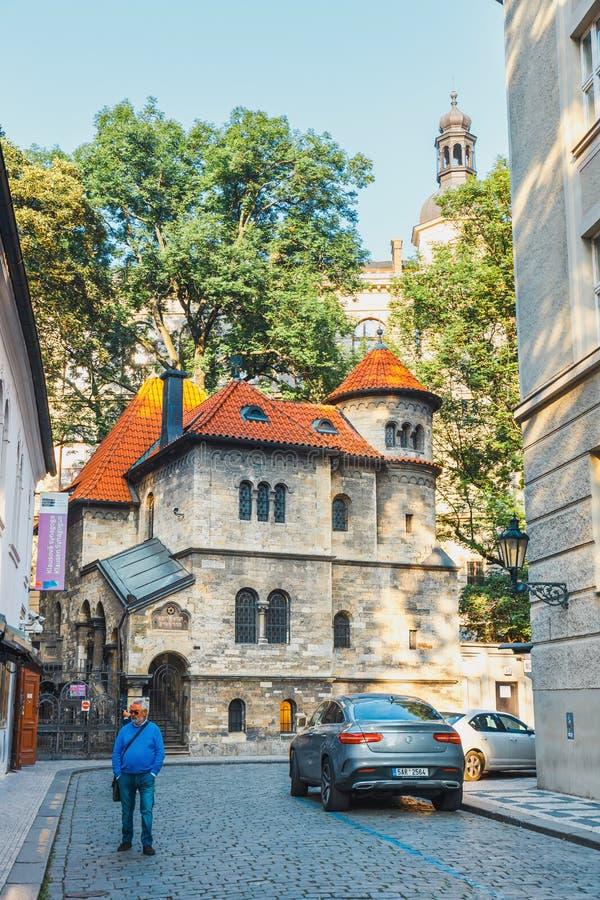Josefov är en judisk fjärdedel av Prague i Tjeckien arkivbild