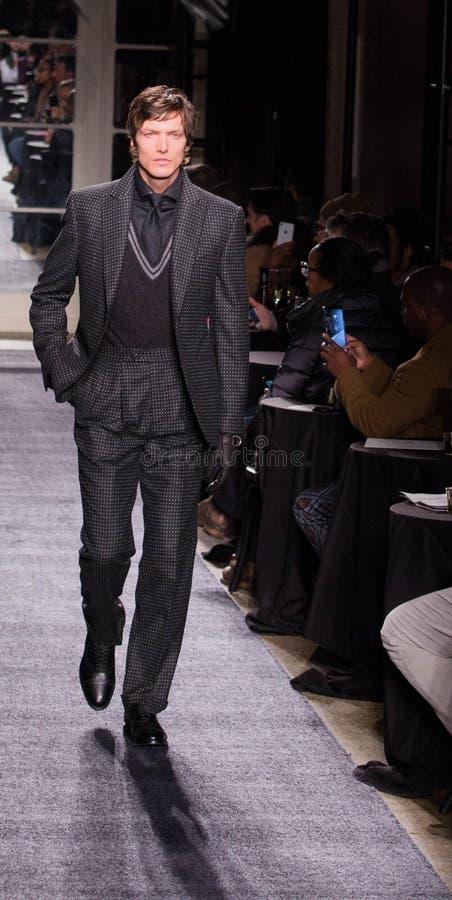 Joseph Abboud Men Winter samling under den New York modeveckan 2018 royaltyfria bilder
