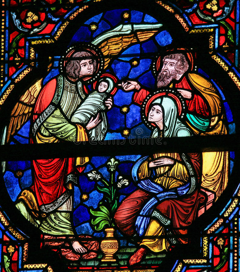 Joseph, Mary, Gabriel och Jesus - målat glass arkivfoton