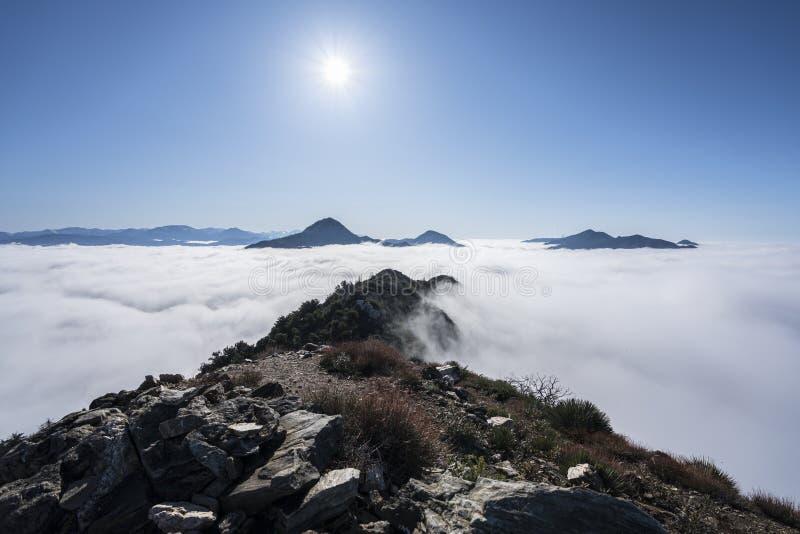 Josephine Peak sopra le nuvole immagini stock