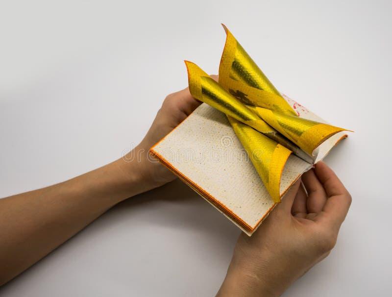 Joss Paper Chinese Tradition för Passed bort andar för förfader` s, arkivfoton