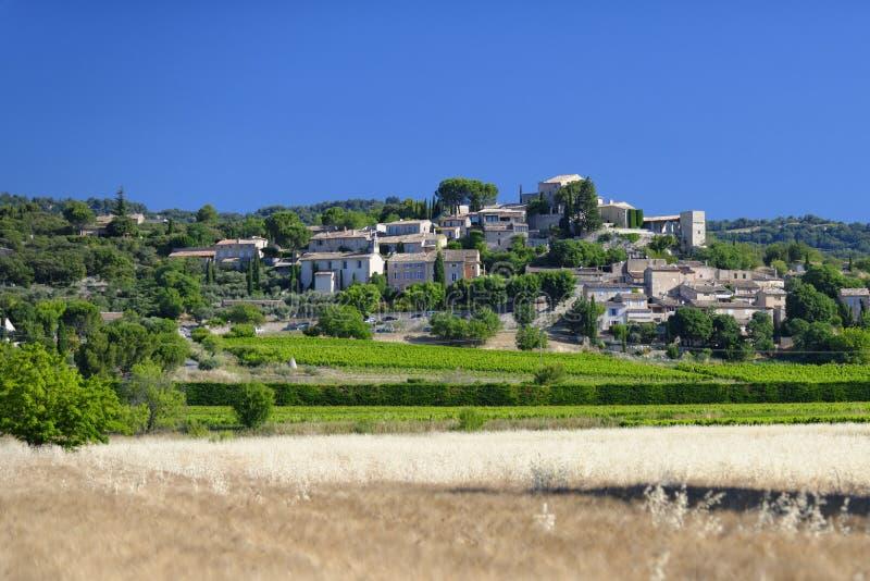 Joucasdorp in de Provence stock afbeeldingen
