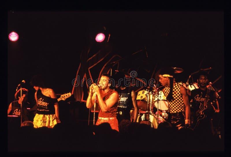 Jouer de bande de Shalamar vivent dans le début des années 1980 du R-U fin 1970 s photo libre de droits